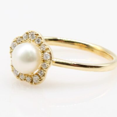 14K Yellow Gold 5.5mm Freshwater Pearl and .18ctw Diamond Ring