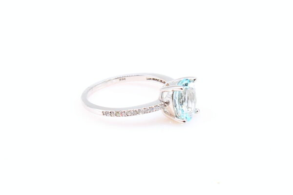 14KW 1.52ct Oval Aquamarine Ring with Diamond Accents 0.10ctw