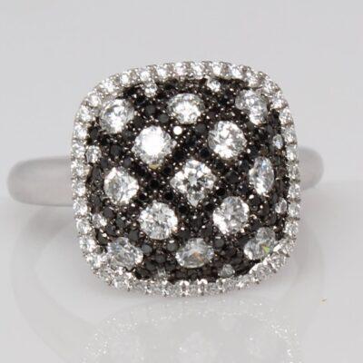 18K Black and White Diamond Checkerboard Fashion Ring